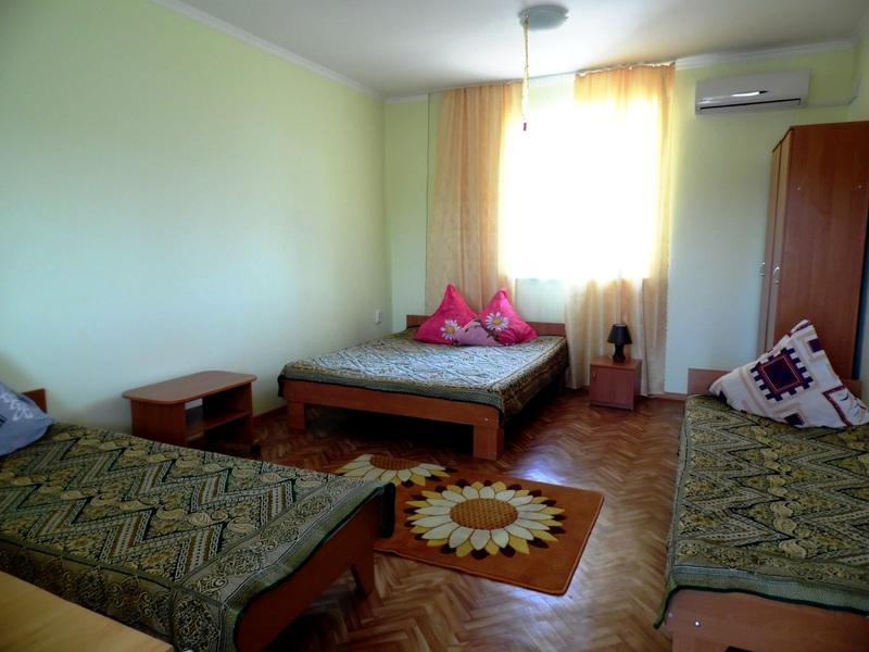 Отдых.Комфортабельные номера в Заозёрном.  Крым